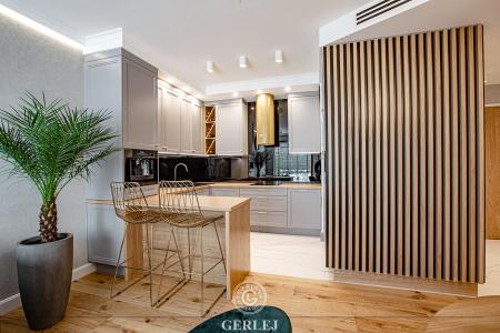 kuchnie-z-wyspa-otwarta-na-salon