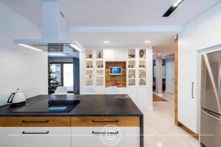 kuchnia-otwarta-z-wyspa