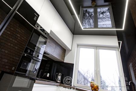 kuchnia-w-drewnie-i-bieli