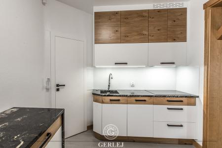 kuchnie-biale-z-drewnem