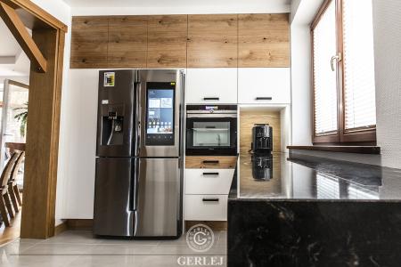 meble-kuchenne-drewniane-nowoczesne