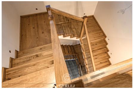 Schody-drewniane-lakierowane