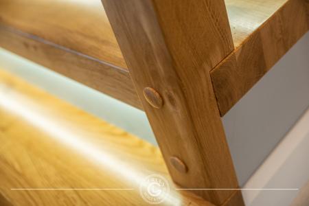 schody-drewniane-z-podswietleniem