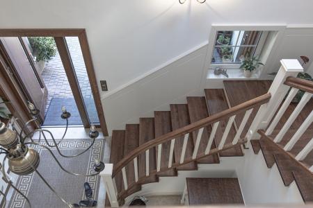 schody-z-drewna-litego