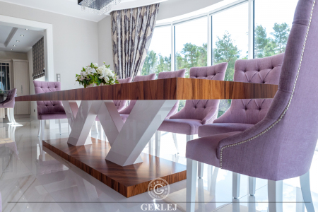krzesla-z-kolatka-do-stolu-w-jadalni