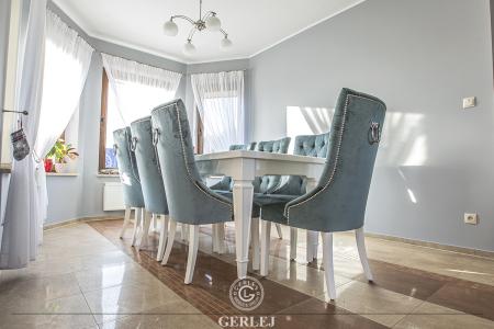krzesla-z-kolatka-do-stolu