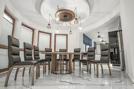 stol-okragly-na-12-osob
