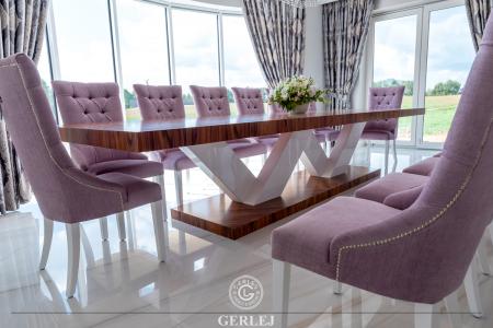 stol-z-drewnianym-blatem