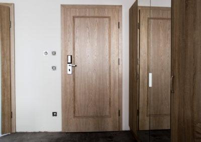 8 - drzwi hotel bayrischer