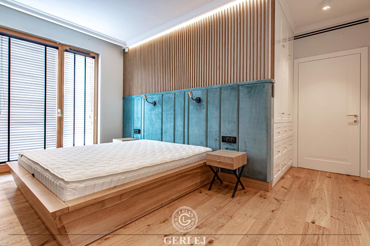 Łóżko z wezgłowiem tapicerowanym